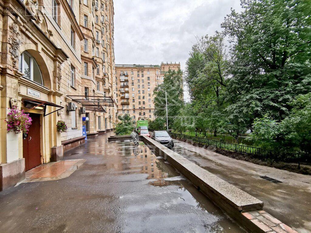 Продажа двухкомнатной квартиры Москва, метро Спортивная, Фрунзенская набережная 50, цена 32500000 рублей, 2021 год объявление №642888 на megabaz.ru