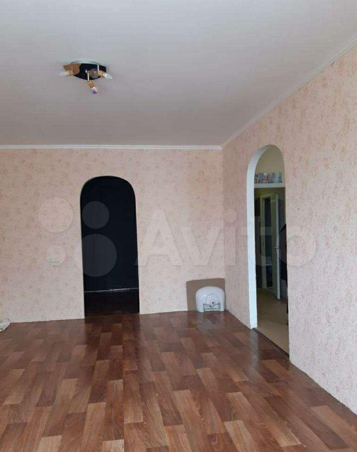 Продажа двухкомнатной квартиры Серпухов, Юбилейная улица 19, цена 4000000 рублей, 2021 год объявление №637951 на megabaz.ru