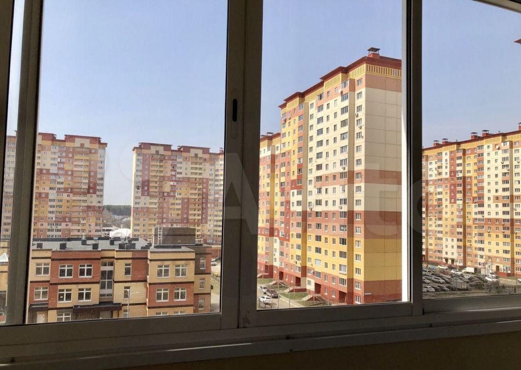 Аренда однокомнатной квартиры деревня Островцы, Баулинская улица 12, цена 23000 рублей, 2021 год объявление №1371730 на megabaz.ru