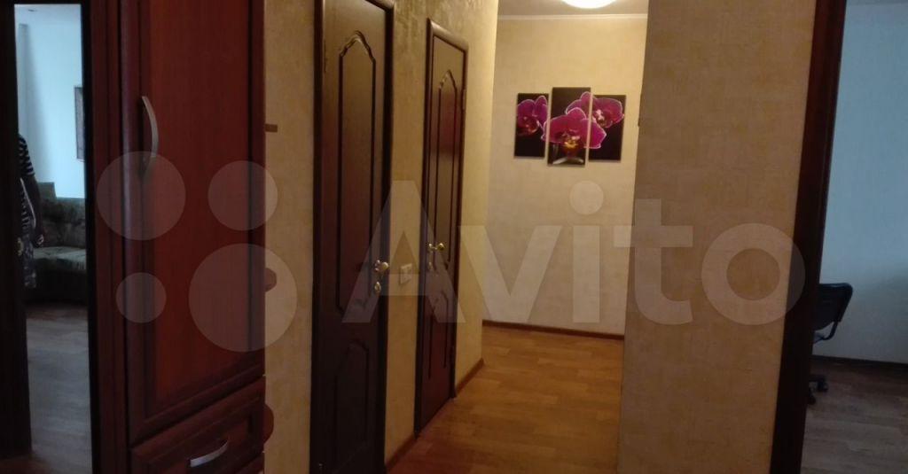 Аренда двухкомнатной квартиры поселок Володарского, улица Елохова Роща 10, цена 28000 рублей, 2021 год объявление №1373097 на megabaz.ru