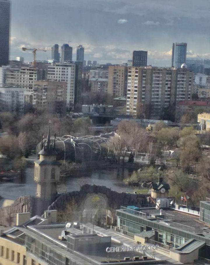 Продажа двухкомнатной квартиры Москва, метро Баррикадная, Кудринская площадь 1, цена 28000000 рублей, 2021 год объявление №406191 на megabaz.ru