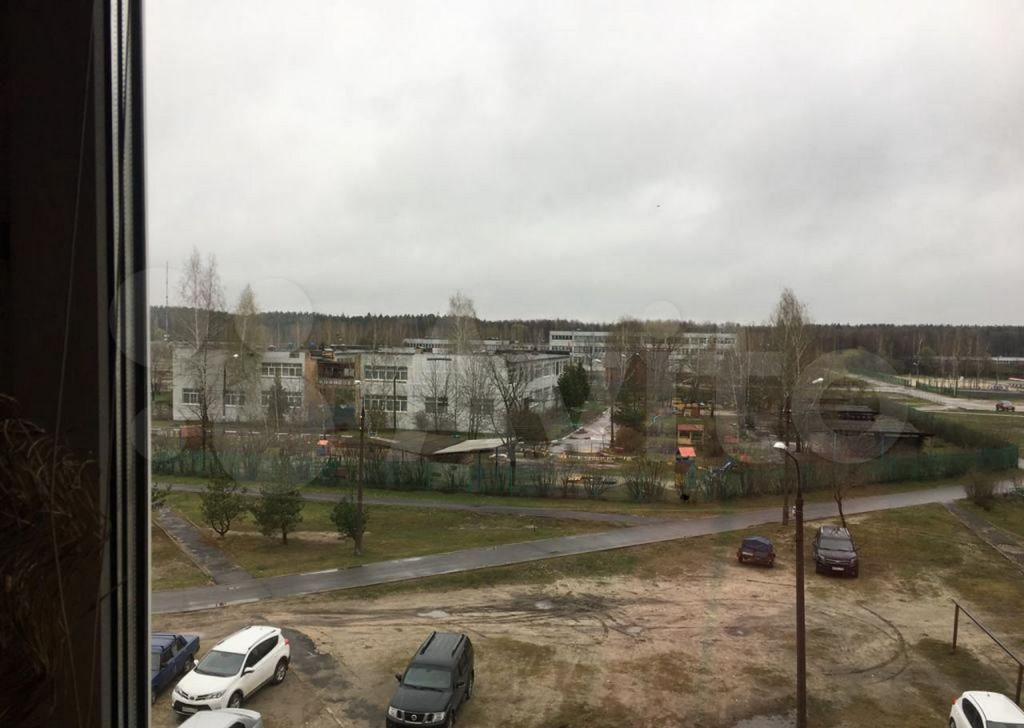 Продажа трёхкомнатной квартиры деревня Давыдово, улица 2-й Микрорайон 6, цена 4000000 рублей, 2021 год объявление №610672 на megabaz.ru