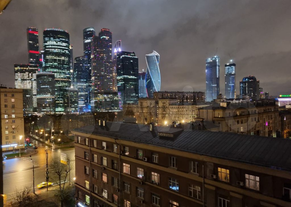 Продажа пятикомнатной квартиры Москва, метро Кутузовская, Кутузовский проспект 35с4, цена 62000000 рублей, 2021 год объявление №611460 на megabaz.ru