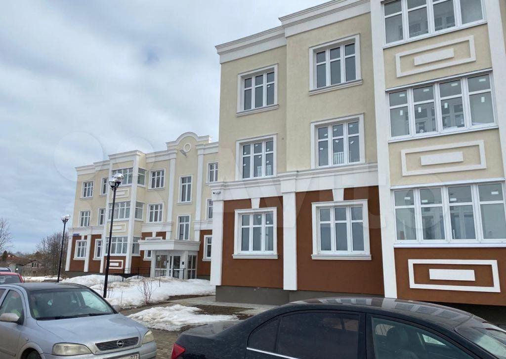Продажа двухкомнатной квартиры Озёры, улица Ленина 106В, цена 4800000 рублей, 2021 год объявление №612814 на megabaz.ru