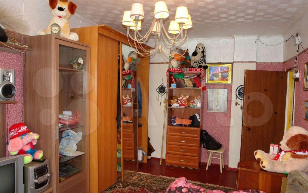 Аренда трёхкомнатной квартиры Рошаль, улица Октябрьской Революции 4, цена 15000 рублей, 2021 год объявление №1398637 на megabaz.ru