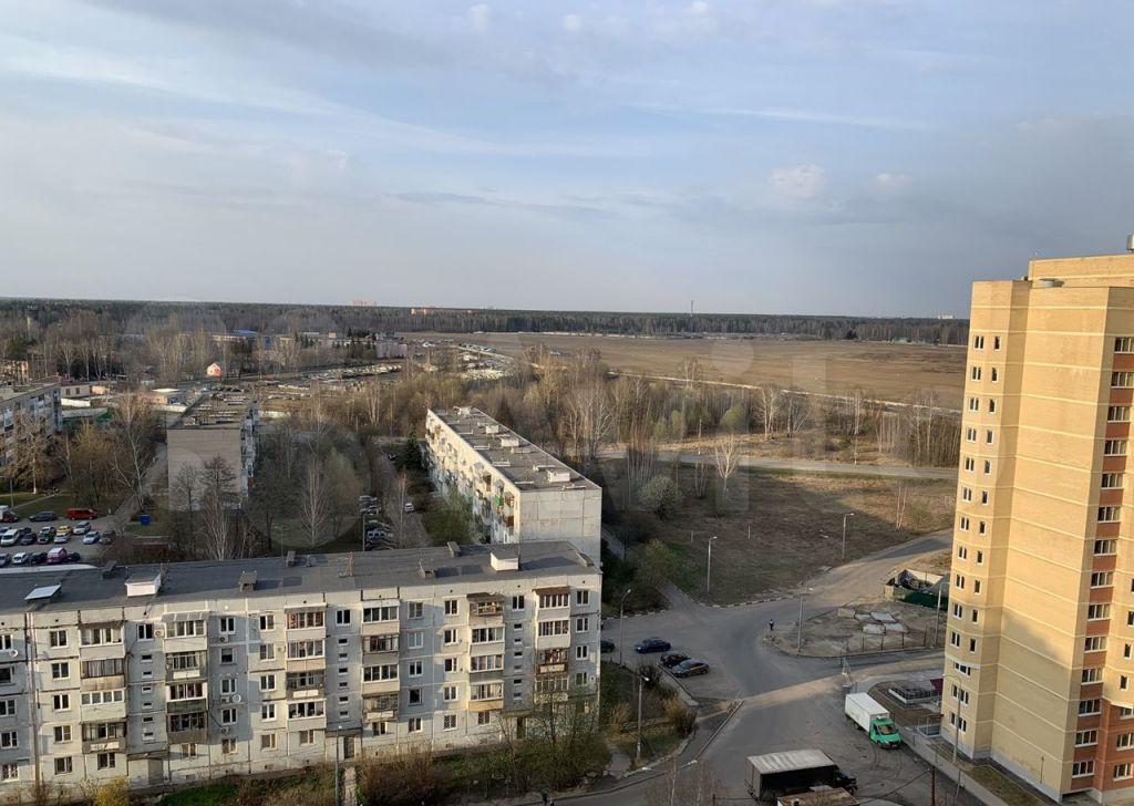 Продажа двухкомнатной квартиры деревня Федурново, улица Авиарембаза 11, цена 5900000 рублей, 2021 год объявление №614151 на megabaz.ru