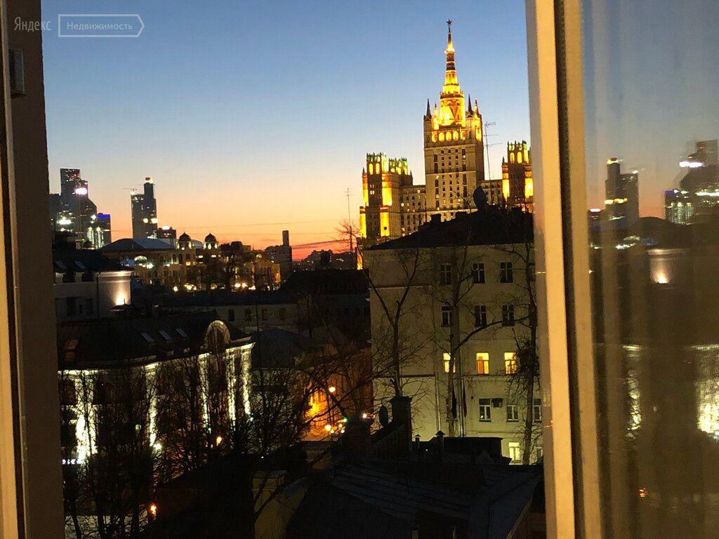 Продажа трёхкомнатной квартиры Москва, метро Баррикадная, Малая Никитская улица 16/5, цена 30000000 рублей, 2021 год объявление №376671 на megabaz.ru