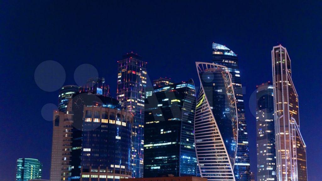 Продажа трёхкомнатной квартиры Москва, метро Киевская, Кутузовский проспект 12с8, цена 32000000 рублей, 2021 год объявление №601028 на megabaz.ru