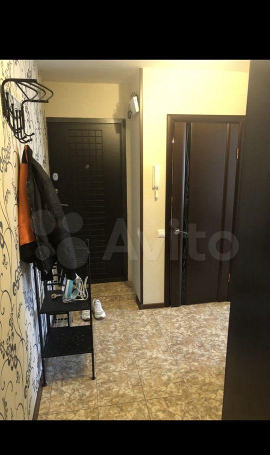 Продажа трёхкомнатной квартиры поселок Большевик, улица Ленина 16, цена 4000000 рублей, 2021 год объявление №579359 на megabaz.ru