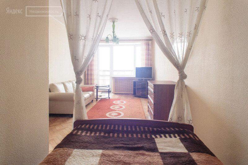 Аренда однокомнатной квартиры Москва, метро Баррикадная, Большая Никитская улица 49, цена 80000 рублей, 2021 год объявление №1411706 на megabaz.ru