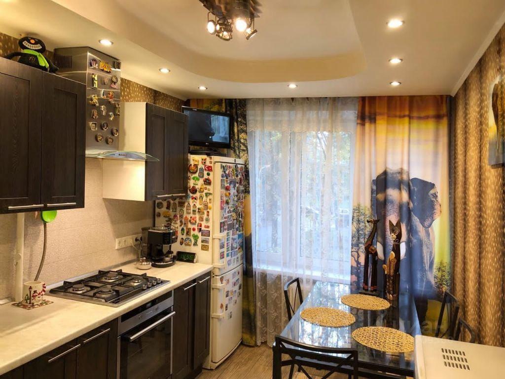 Продажа трёхкомнатной квартиры Москва, метро Спортивная, Усачёва улица 25, цена 25000000 рублей, 2021 год объявление №582191 на megabaz.ru