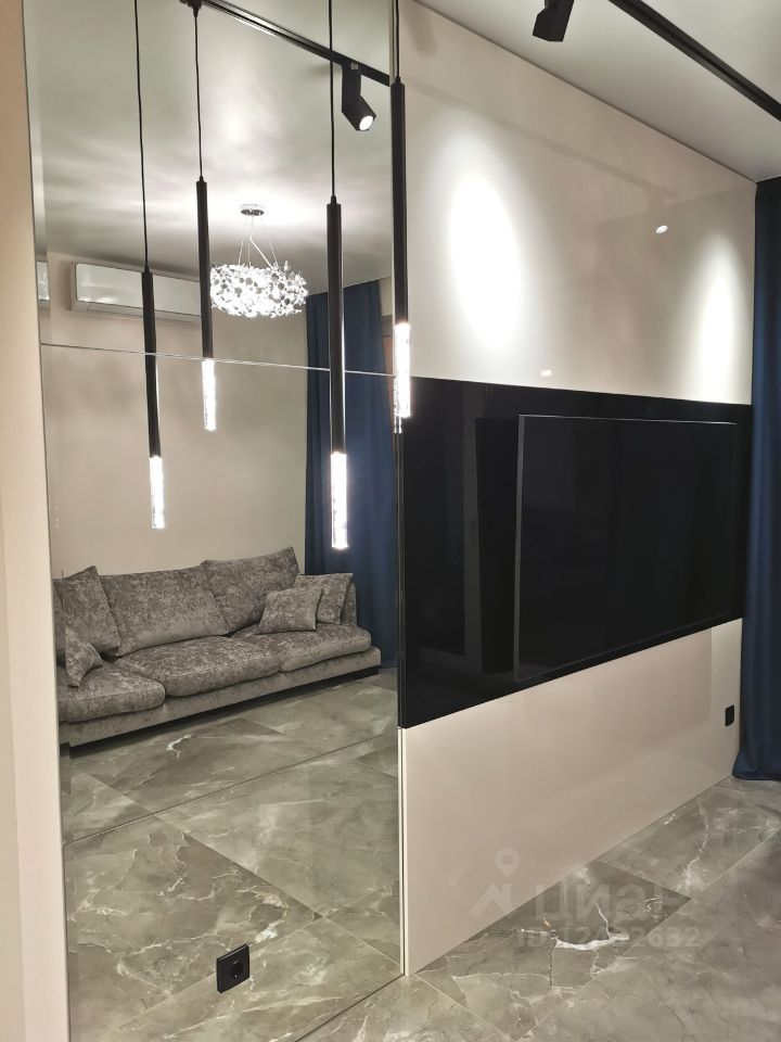 Продажа трёхкомнатной квартиры Москва, метро Комсомольская, Басманный переулок 5, цена 39500000 рублей, 2021 год объявление №618577 на megabaz.ru