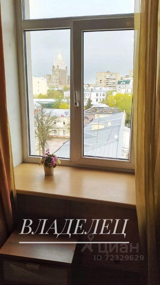 Продажа трёхкомнатной квартиры Москва, метро Кропоткинская, улица Пречистенка 17/9, цена 50000000 рублей, 2021 год объявление №612131 на megabaz.ru