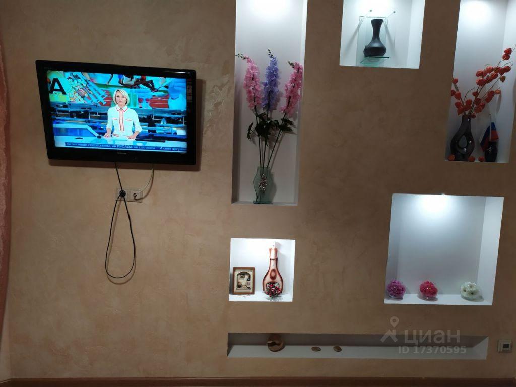 Аренда двухкомнатной квартиры рабочий поселок Новоивановское, улица Агрохимиков 19, цена 60000 рублей, 2021 год объявление №1405676 на megabaz.ru