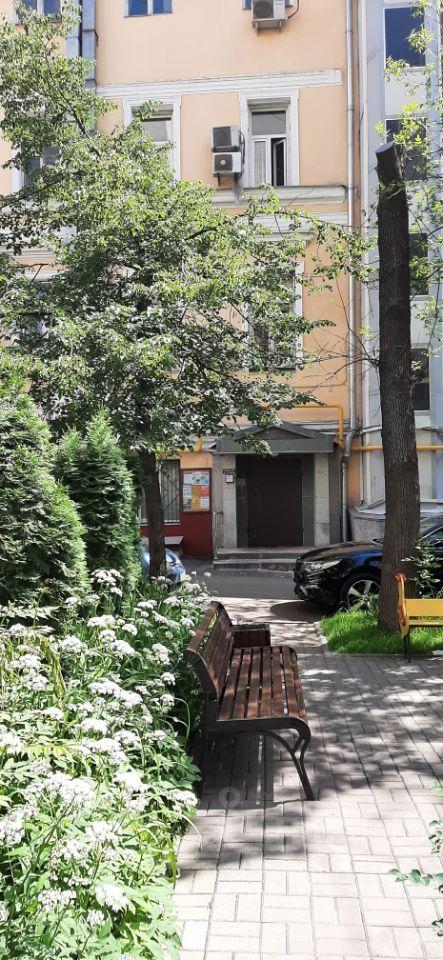 Продажа четырёхкомнатной квартиры Москва, метро Тверская, Малый Гнездниковский переулок 9с7, цена 52990000 рублей, 2021 год объявление №637146 на megabaz.ru