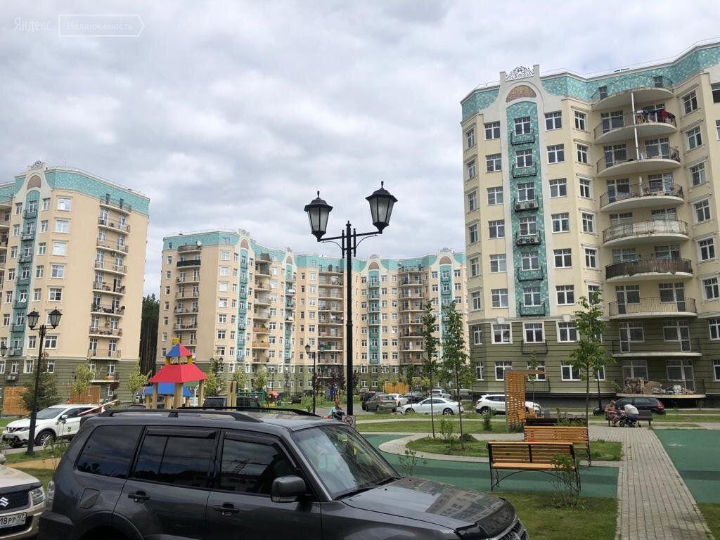 Продажа трёхкомнатной квартиры поселок Ильинское-Усово, проезд Александра Невского 6, цена 10750000 рублей, 2021 год объявление №637477 на megabaz.ru