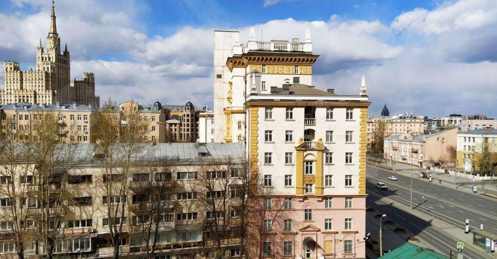 Аренда однокомнатной квартиры Москва, метро Смоленская, Новинский бульвар 15, цена 75000 рублей, 2021 год объявление №1405325 на megabaz.ru