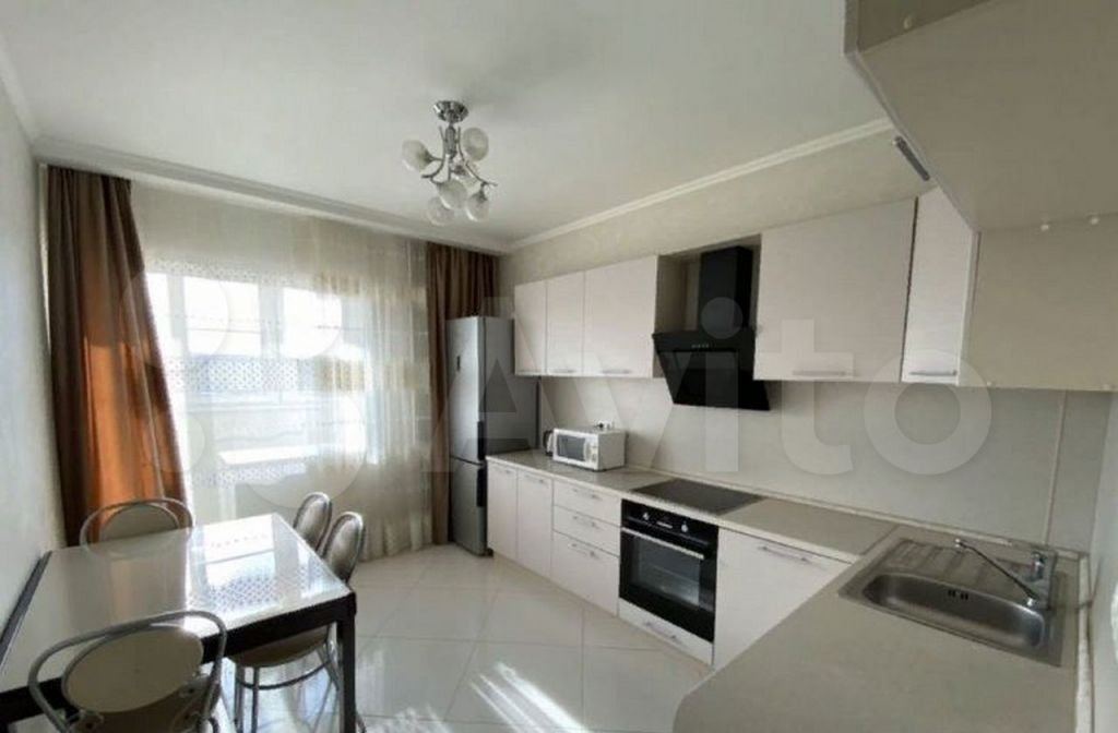 Продажа однокомнатной квартиры Высоковск, Большевистская улица 3, цена 1200000 рублей, 2021 год объявление №656407 на megabaz.ru
