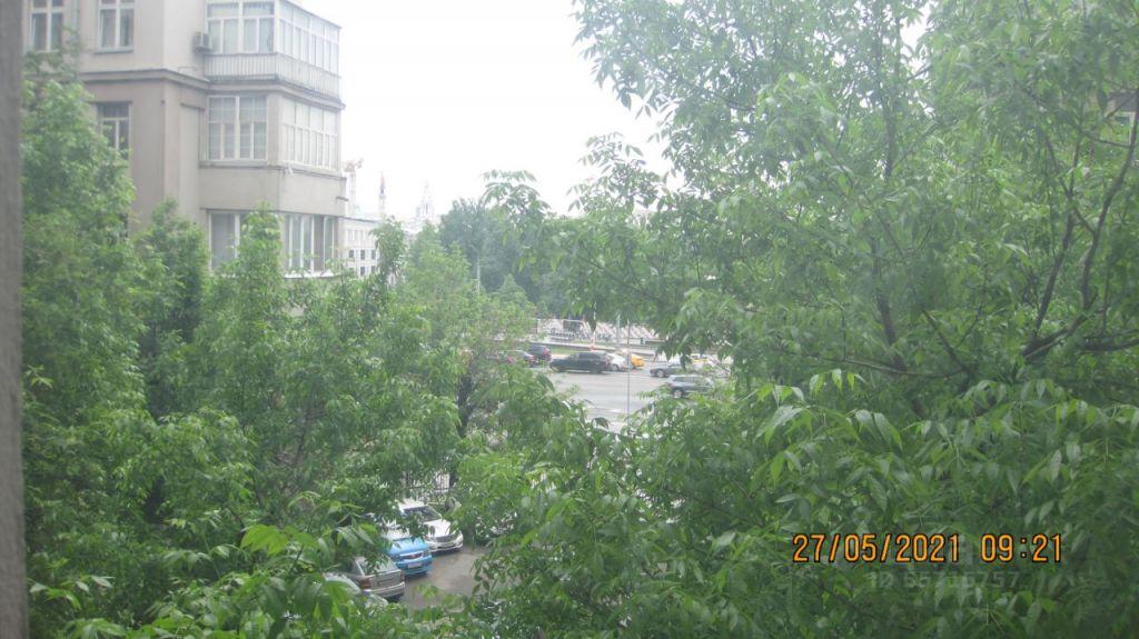 Продажа пятикомнатной квартиры Москва, метро Кропоткинская, улица Серафимовича 2, цена 138000000 рублей, 2021 год объявление №635256 на megabaz.ru