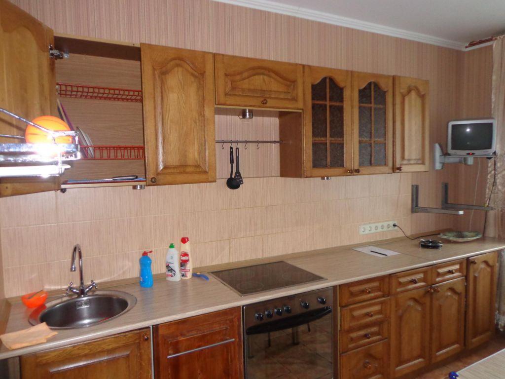 Аренда трёхкомнатной квартиры поселок Поведники, Санаторная улица, цена 35000 рублей, 2020 год объявление №1045535 на megabaz.ru