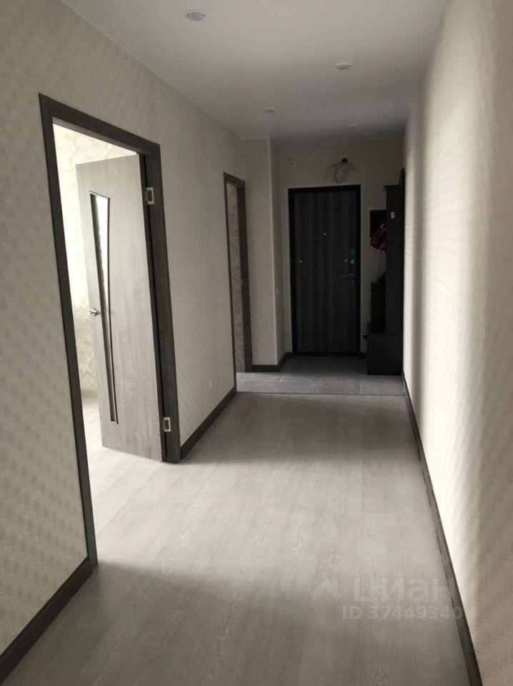 Аренда трёхкомнатной квартиры деревня Малые Вязёмы, цена 40000 рублей, 2021 год объявление №1397066 на megabaz.ru