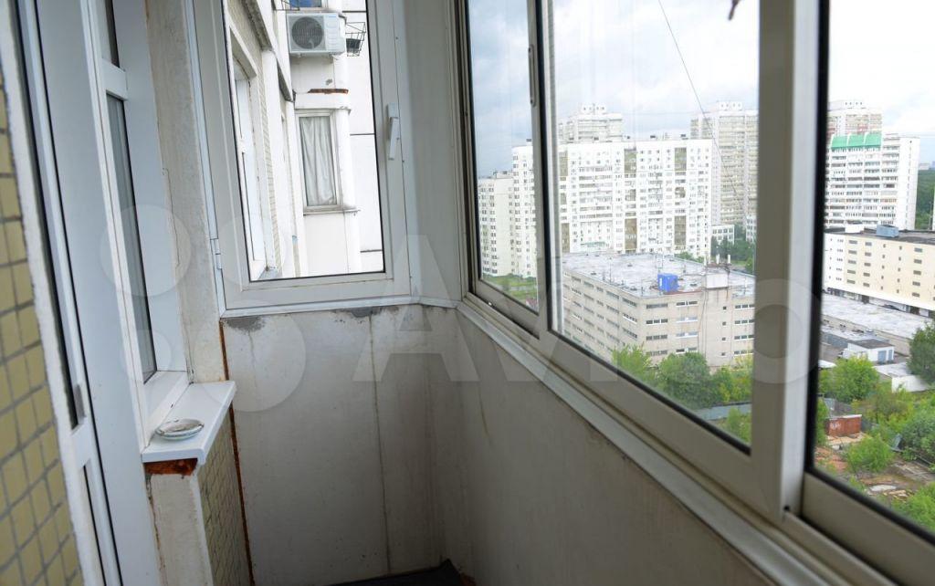 Аренда однокомнатной квартиры Москва, метро Беляево, улица Введенского 26, цена 40000 рублей, 2021 год объявление №1433056 на megabaz.ru