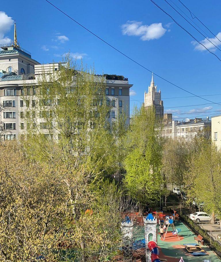 Аренда трёхкомнатной квартиры Москва, метро Парк культуры, 2-й Неопалимовский переулок 11, цена 250000 рублей, 2021 год объявление №1397672 на megabaz.ru