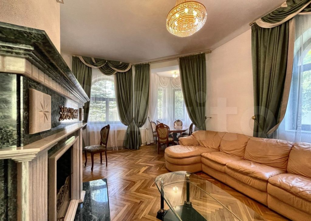 Аренда дома деревня Жуковка, цена 300000 рублей, 2021 год объявление №1411379 на megabaz.ru