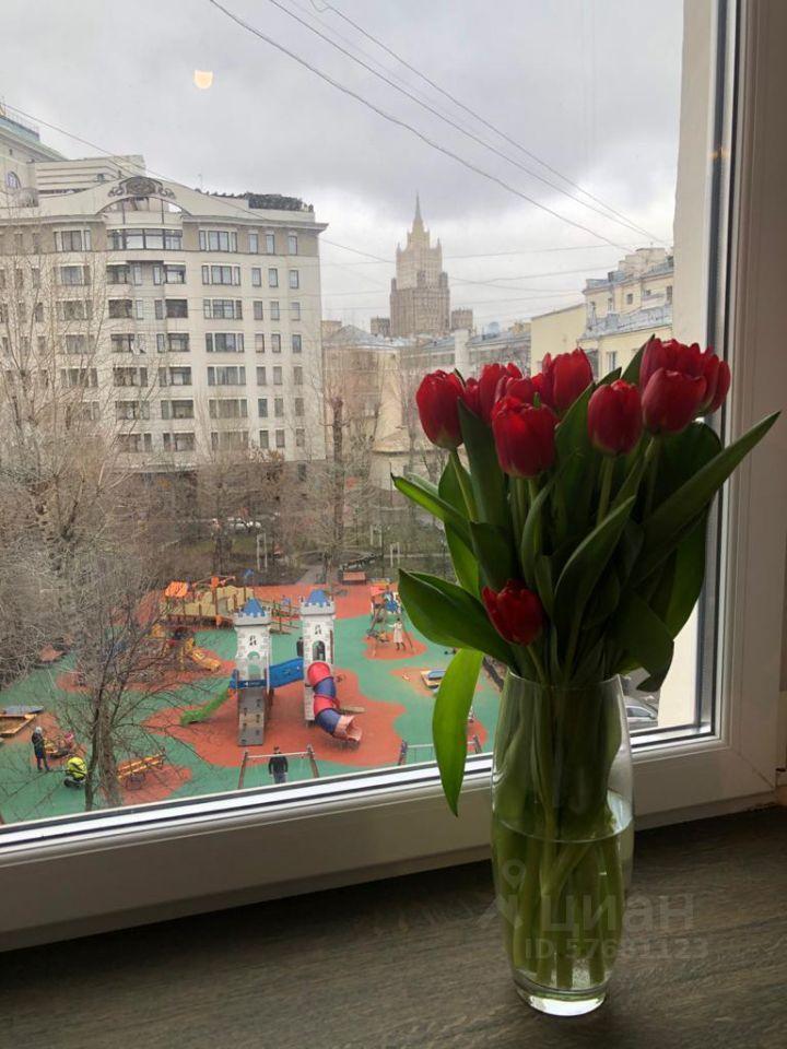 Аренда трёхкомнатной квартиры Москва, метро Парк культуры, 2-й Неопалимовский переулок 11, цена 230000 рублей, 2021 год объявление №1405288 на megabaz.ru