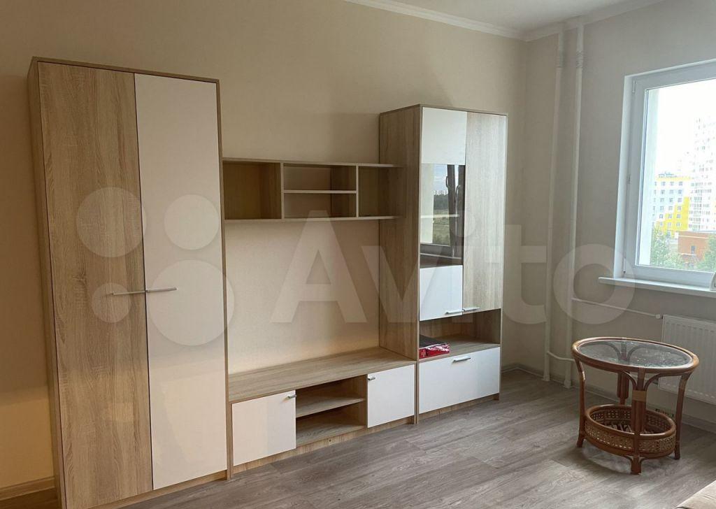 Аренда однокомнатной квартиры деревня Голубое, Парковый бульвар 5, цена 21500 рублей, 2021 год объявление №1434107 на megabaz.ru