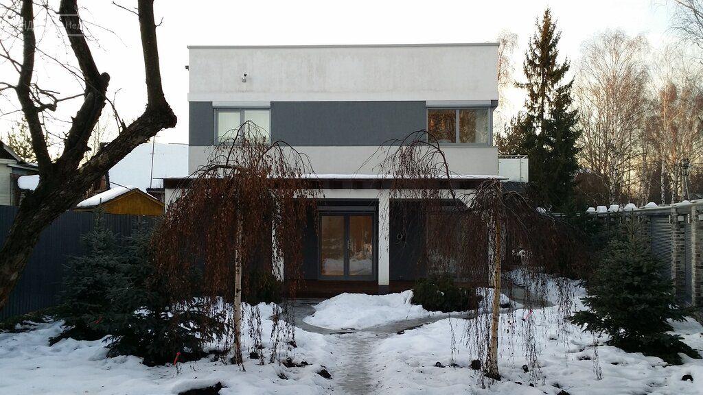 Аренда дома село Жаворонки, цена 150000 рублей, 2021 год объявление №1411299 на megabaz.ru