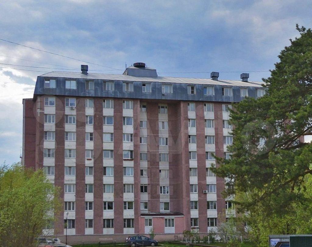 Аренда однокомнатной квартиры поселок Большевик, Молодёжная улица 7, цена 14000 рублей, 2021 год объявление №1360895 на megabaz.ru