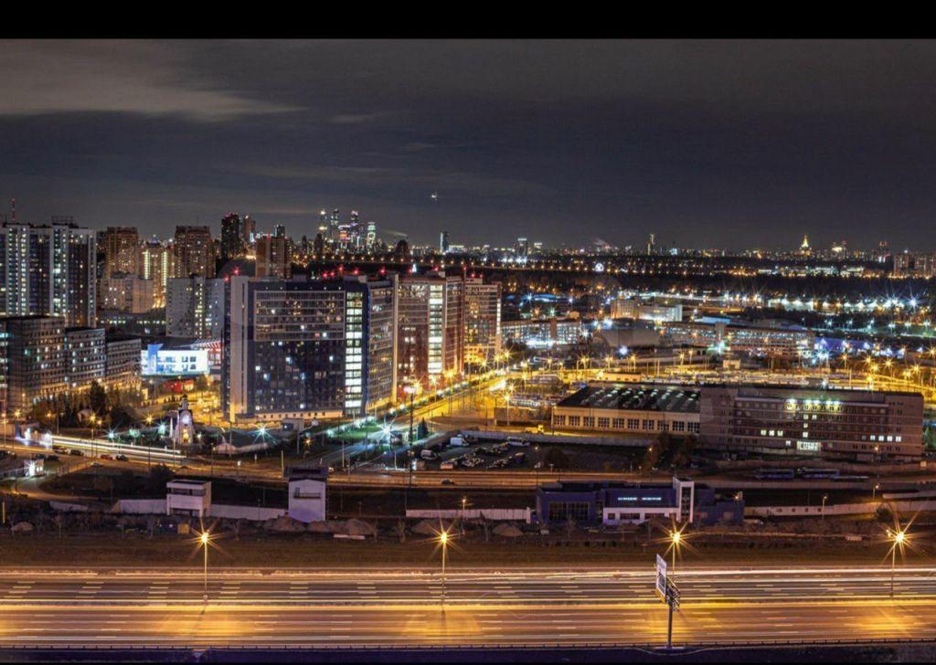 Продажа двухкомнатной квартиры деревня Раздоры, метро Строгино, улица Липовой Рощи 1к1, цена 13500000 рублей, 2021 год объявление №685356 на megabaz.ru