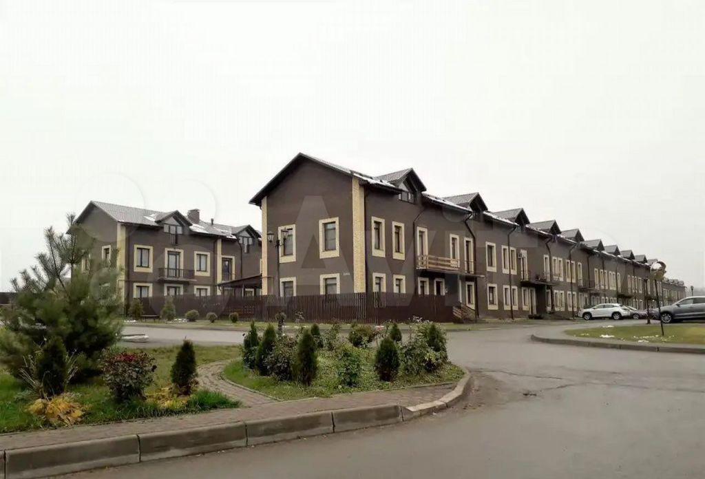 Продажа дома деревня Красное, Рябиновая улица, цена 4280000 рублей, 2021 год объявление №690223 на megabaz.ru