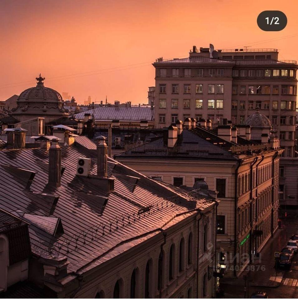 Аренда комнаты Москва, метро Кузнецкий мост, Звонарский переулок 5, цена 36000 рублей, 2021 год объявление №1399375 на megabaz.ru