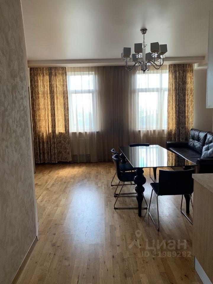Аренда двухкомнатной квартиры поселок Ильинское-Усово, проезд Александра Невского 3, цена 49000 рублей, 2021 год объявление №1413733 на megabaz.ru