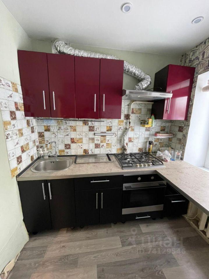 Продажа двухкомнатной квартиры посёлок Электроизолятор, цена 2700000 рублей, 2021 год объявление №630817 на megabaz.ru