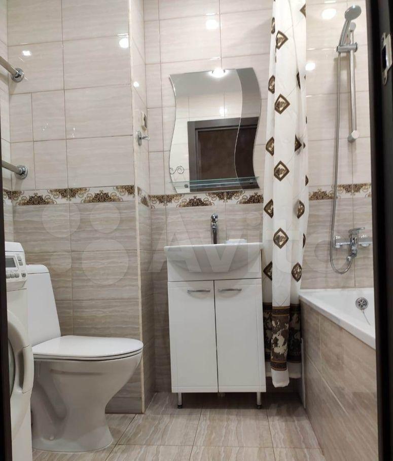Аренда однокомнатной квартиры село Домодедово, бульвар Строителей 3, цена 25000 рублей, 2021 год объявление №1428837 на megabaz.ru