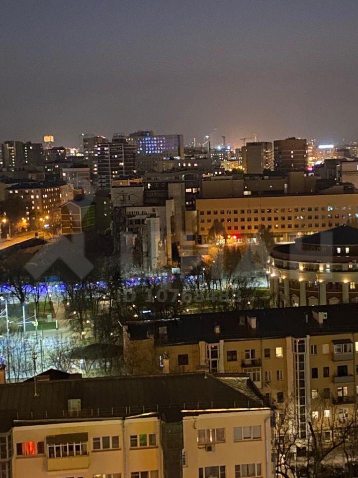 Аренда двухкомнатной квартиры Москва, метро Баррикадная, Кудринская площадь 1, цена 75000 рублей, 2021 год объявление №1031397 на megabaz.ru