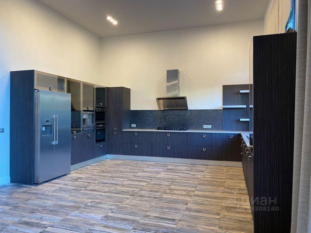Продажа дома деревня Глухово, цена 105000000 рублей, 2021 год объявление №632474 на megabaz.ru