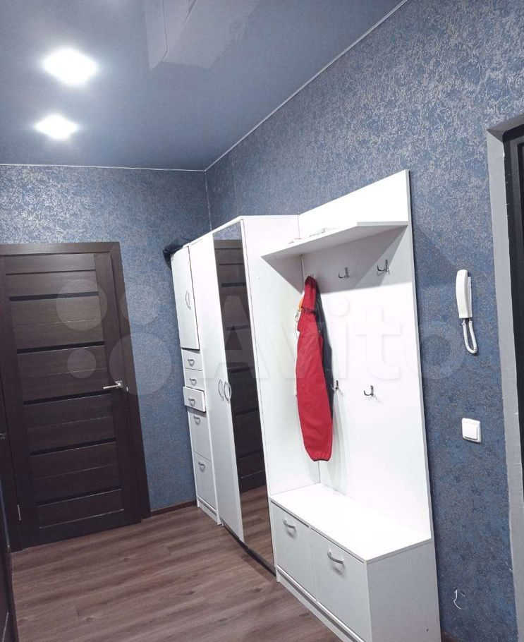 Аренда двухкомнатной квартиры деревня Красный Поселок, улица Конюхова 5, цена 40000 рублей, 2021 год объявление №1402736 на megabaz.ru