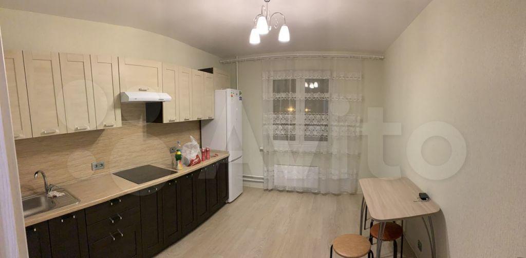 Аренда однокомнатной квартиры село Домодедово, Высотная улица 3, цена 27000 рублей, 2021 год объявление №1485414 на megabaz.ru