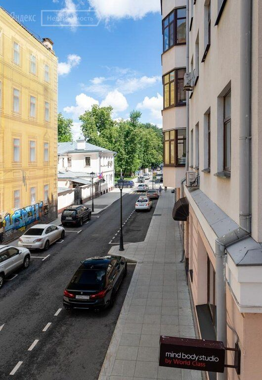 Продажа трёхкомнатной квартиры Москва, метро Тургеневская, Большой Харитоньевский переулок 16-18, цена 50000000 рублей, 2021 год объявление №634521 на megabaz.ru