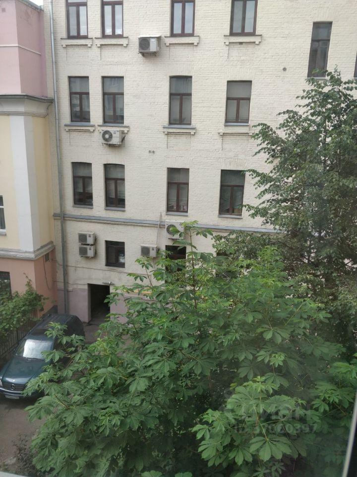 Продажа четырёхкомнатной квартиры Москва, метро Трубная, Большой Сергиевский переулок 15, цена 32000000 рублей, 2021 год объявление №635699 на megabaz.ru