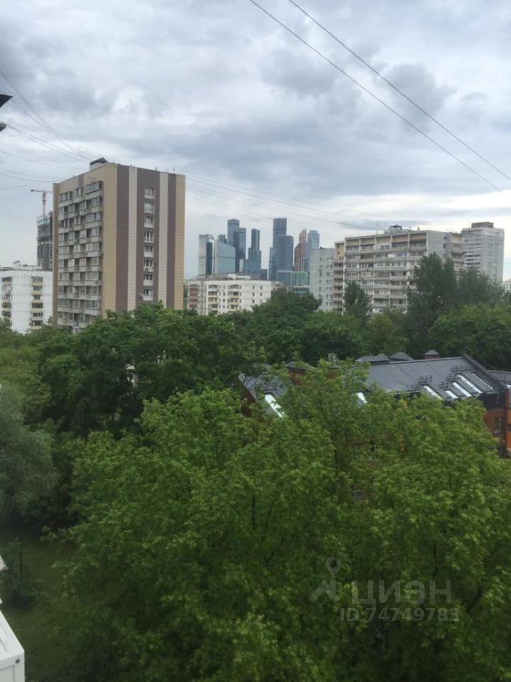 Продажа двухкомнатной квартиры Москва, метро Парк Победы, улица Пырьева 10, цена 12500000 рублей, 2021 год объявление №636768 на megabaz.ru