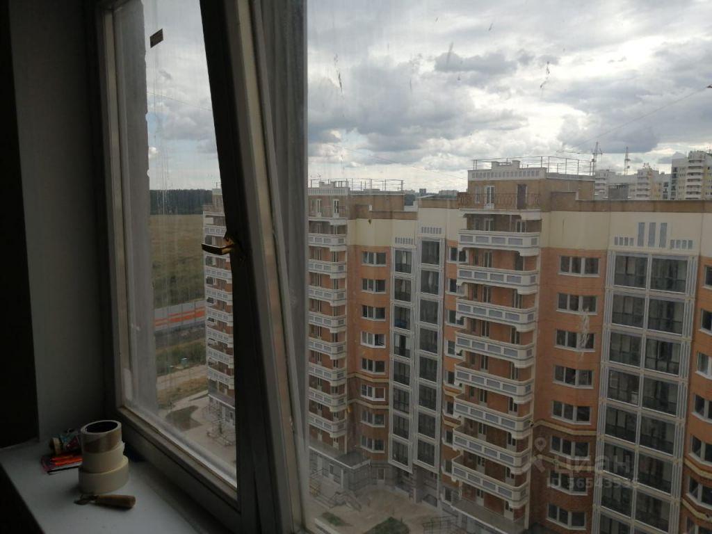 Аренда однокомнатной квартиры Звенигород, метро Славянский бульвар, цена 18000 рублей, 2021 год объявление №1407329 на megabaz.ru