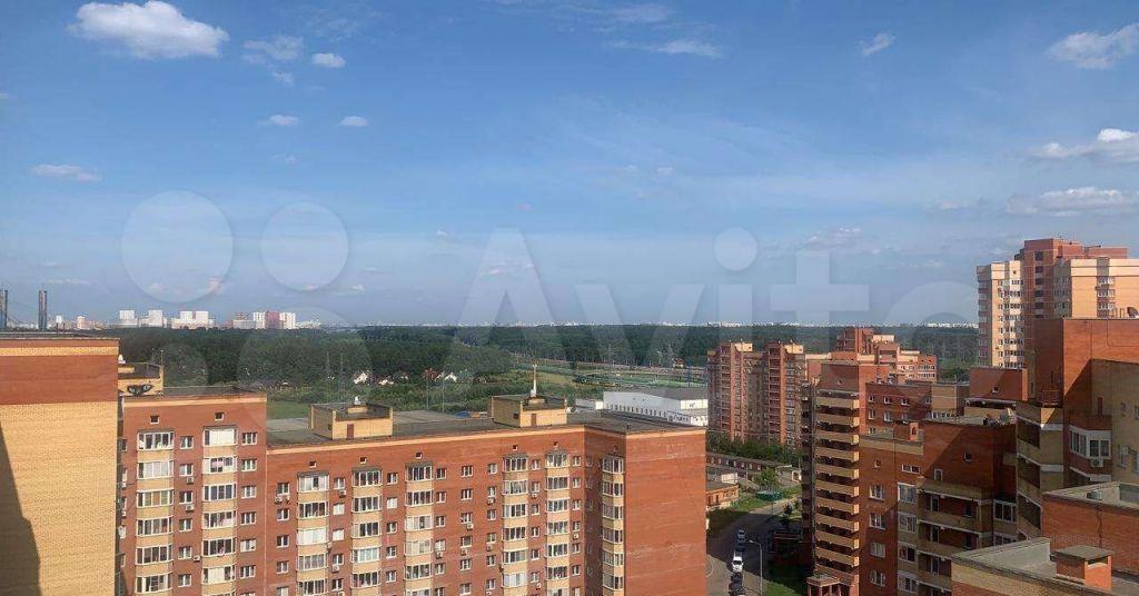 Аренда однокомнатной квартиры дачный посёлок Лесной Городок, Грибовская улица 4, цена 27000 рублей, 2021 год объявление №1425055 на megabaz.ru