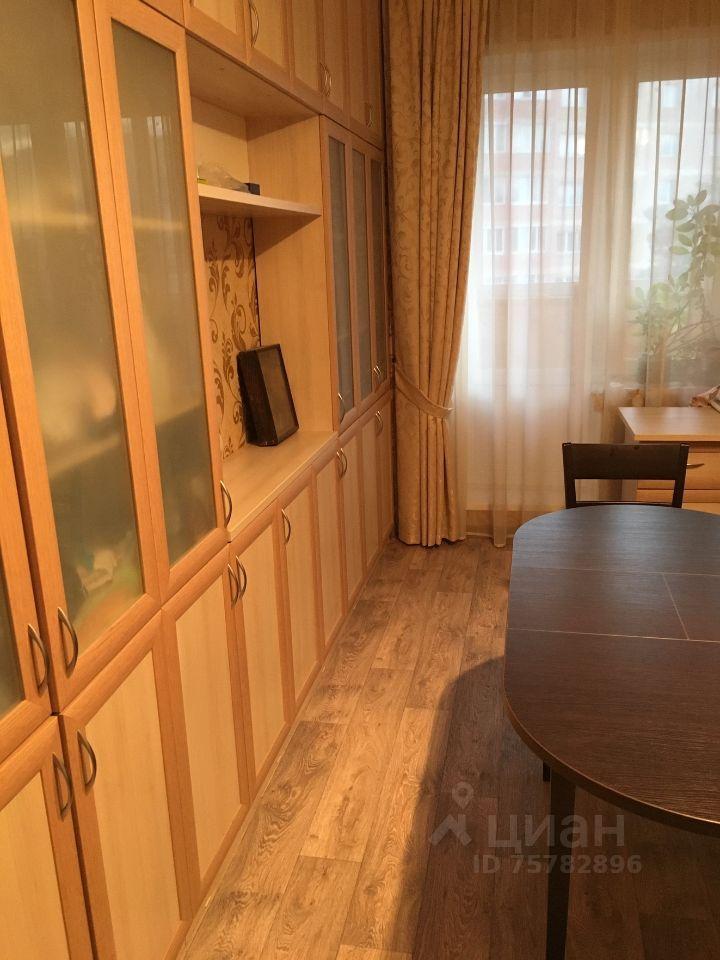 Продажа двухкомнатной квартиры поселок Большевик, улица Ленина 114, цена 6950000 рублей, 2021 год объявление №644915 на megabaz.ru