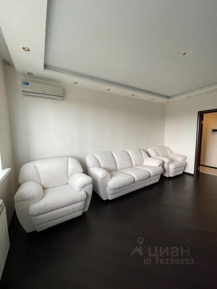 Продажа трёхкомнатной квартиры поселок Аничково, цена 7000000 рублей, 2021 год объявление №650111 на megabaz.ru