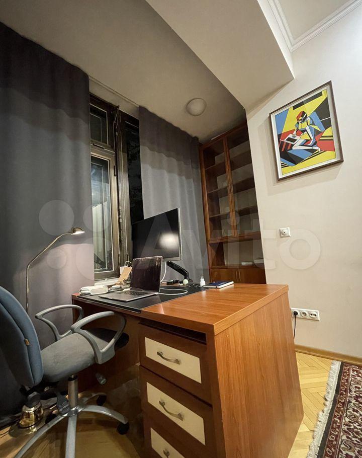 Аренда трёхкомнатной квартиры Москва, метро Курская, улица Земляной Вал 14-16с1, цена 120000 рублей, 2021 год объявление №1478911 на megabaz.ru